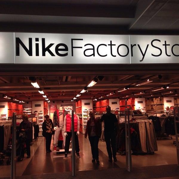 Store Store Factory Nike MendrisioTicino MendrisioTicino Nike Nike Factory vNmn8wO0