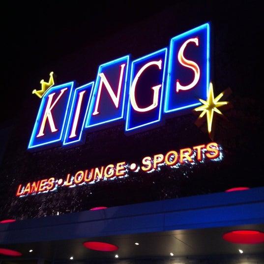 Снимок сделан в Kings Dining & Entertainment пользователем Natalie S. 12/13/2012