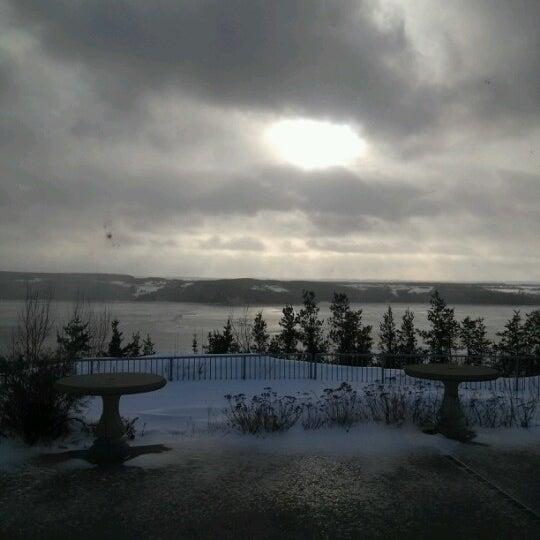 Foto tirada no(a) Auberge La Tourelle du Fjord por Julie em 12/24/2012