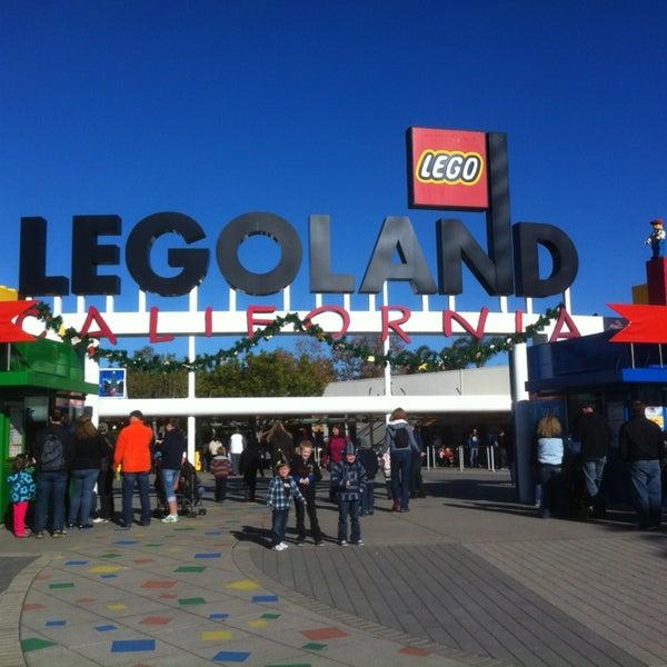 Foto tirada no(a) Legoland California por Hendra W. em 12/31/2012