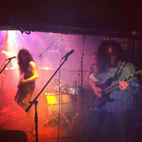 3/24/2013 tarihinde Çağrı U.ziyaretçi tarafından Dorock Heavy Metal Club'de çekilen fotoğraf