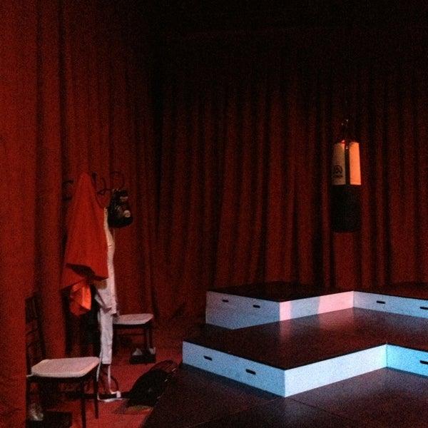 รูปภาพถ่ายที่ Foro Shakespeare โดย Yuki N. เมื่อ 7/3/2013