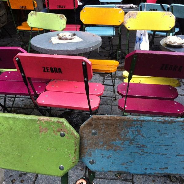 Foto scattata a Zebra Bar da Hibo O. il 5/7/2013
