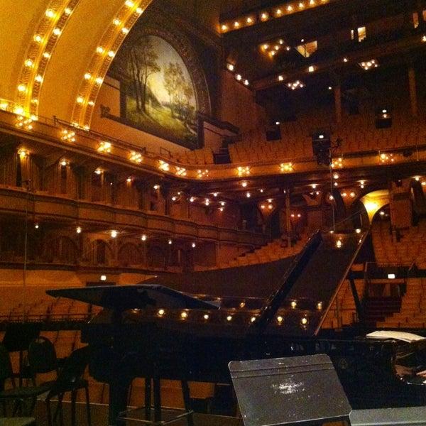 4/9/2013 tarihinde Scott D.ziyaretçi tarafından Auditorium Theatre'de çekilen fotoğraf