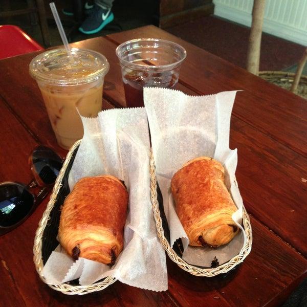 รูปภาพถ่ายที่ Croissanteria โดย Ashley R. เมื่อ 5/18/2013