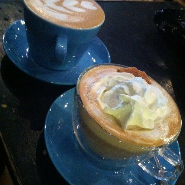 10/14/2013에 Murphy P.님이 The Wormhole Coffee에서 찍은 사진