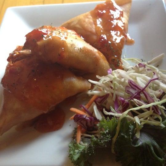 Das Foto wurde bei Mura Japanese Restaurant von Dessy T. am 9/15/2012 aufgenommen