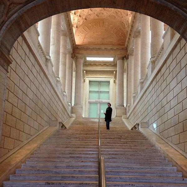 2/3/2013 tarihinde Kate G.ziyaretçi tarafından Asian Art Museum'de çekilen fotoğraf