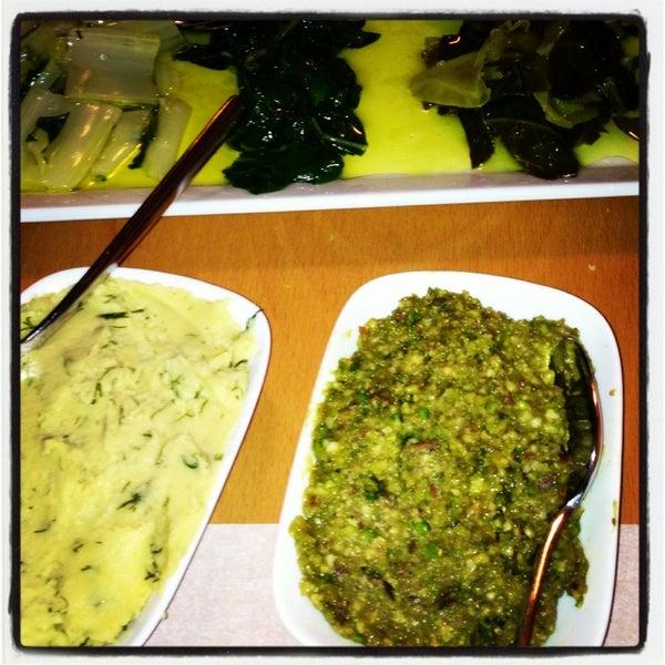 Foto tomada en Sıdıka Meze Restoranı por Ozge S. el 2/20/2013