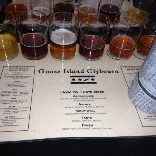 Снимок сделан в Goose Island Brewpub пользователем Carlos G. 10/7/2012