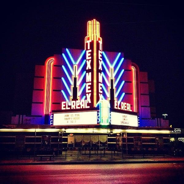 Снимок сделан в El Real Tex-Mex Cafe пользователем Miki's L. 9/12/2013