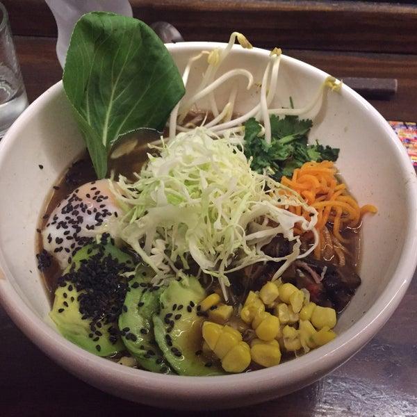 Das Foto wurde bei Fukuro Noodle Bar von Andrea L. am 3/23/2018 aufgenommen