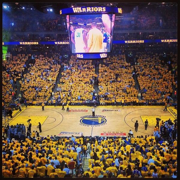 รูปภาพถ่ายที่ Oakland Arena โดย Lauren P. เมื่อ 5/17/2013