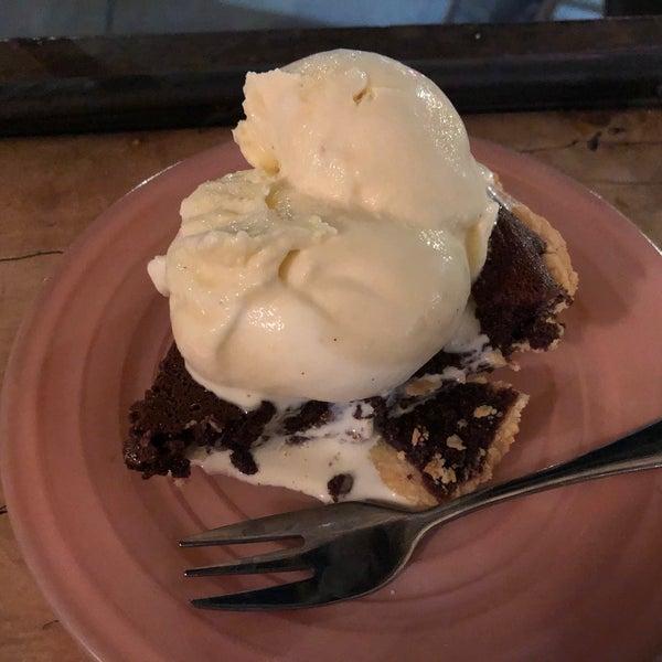 Foto tomada en Petee's Pie Company por Elizabeth F. el 3/9/2020