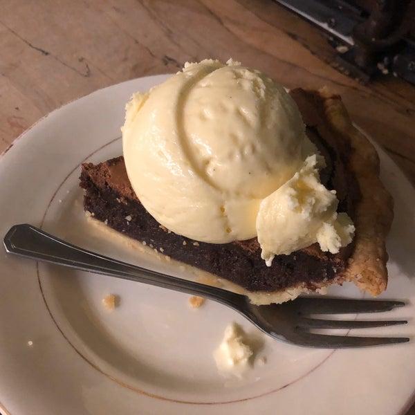 Foto tomada en Petee's Pie Company por Elizabeth F. el 11/13/2019
