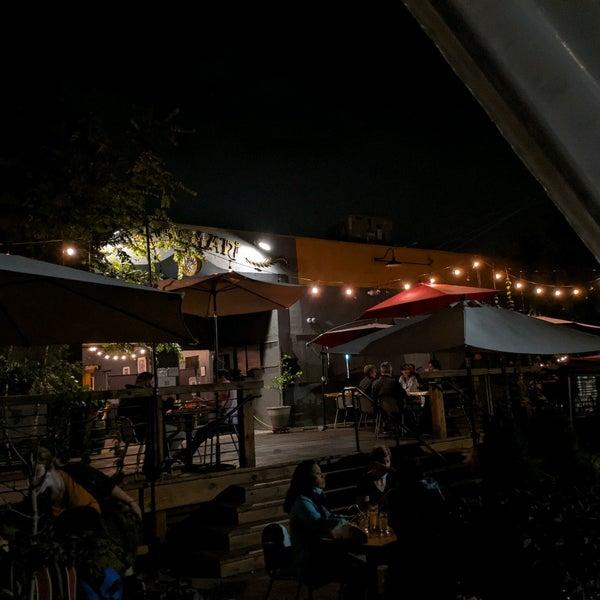 Foto tirada no(a) Bhramari Brewing Company por Alex M. em 9/19/2020