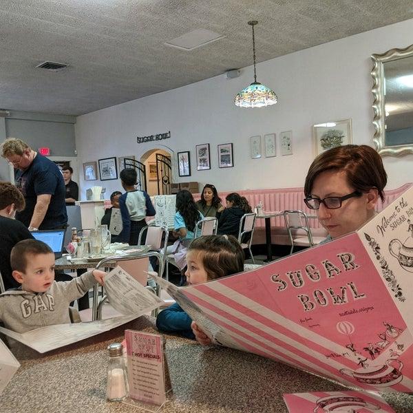 Снимок сделан в Sugar Bowl Ice Cream Parlor Restaurant пользователем Alex M. 1/3/2020