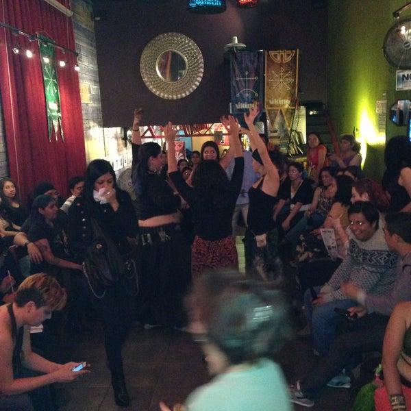 Foto tirada no(a) Viking - Arte Café Punto Zero por FERNANDO R. em 5/4/2013
