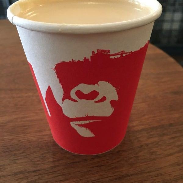 Foto scattata a Gorilla Coffee da Takashi il 9/21/2016