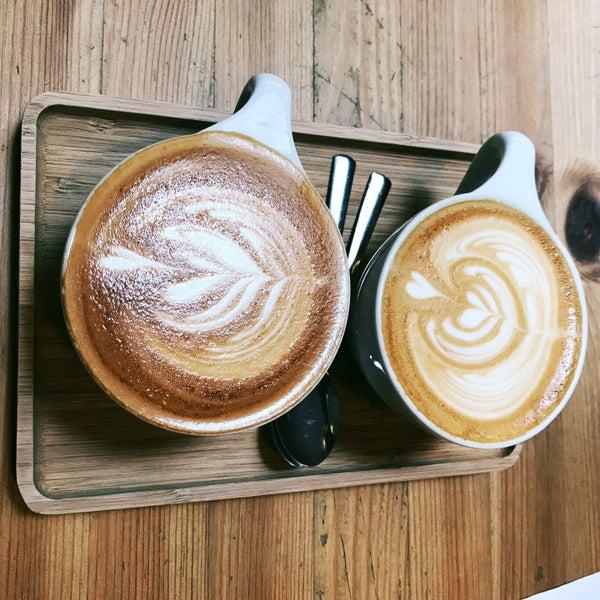 Foto tirada no(a) Viggo's Specialty Coffee por z. em 5/18/2017