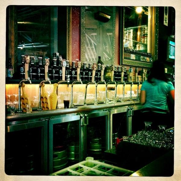 Foto tirada no(a) Deschutes Brewery Portland Public House por Kay D. em 7/5/2013