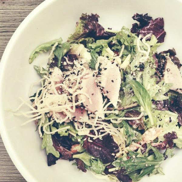 Снимок сделан в The Daily Kitchen & Bar пользователем Sausha K. 7/28/2013