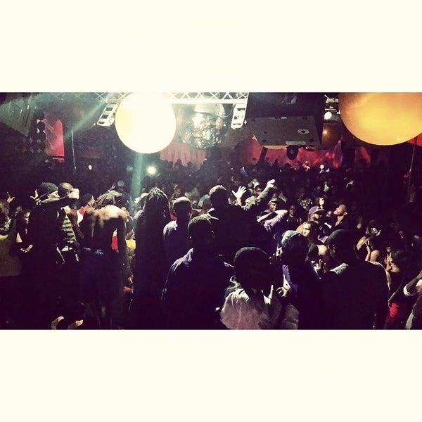 Photo prise au Mekka Nightclub par Breghon W. le8/31/2014