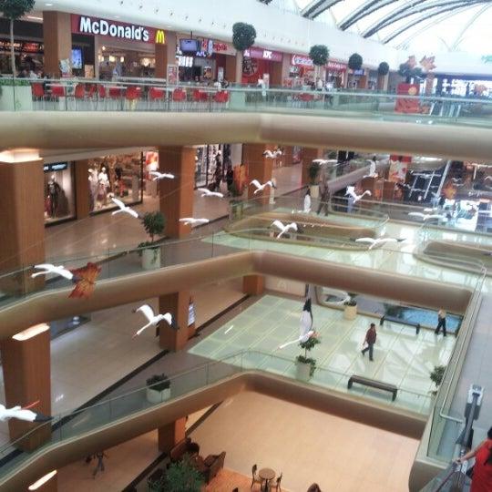 9/28/2012 tarihinde Iremcan ..ziyaretçi tarafından A Plus Ataköy'de çekilen fotoğraf