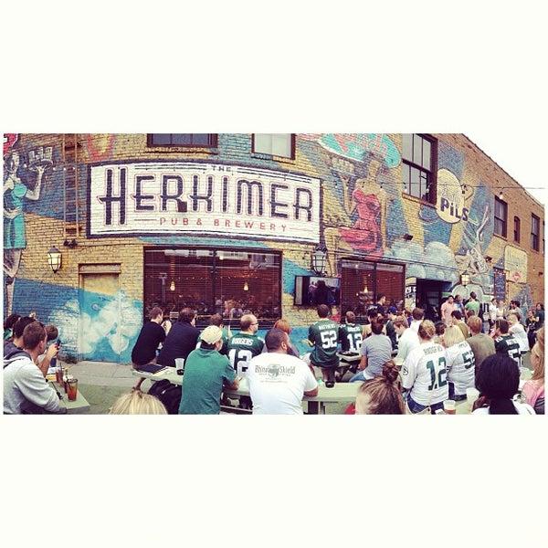 9/8/2013에 Derek W.님이 The Herkimer Pub & Brewery에서 찍은 사진