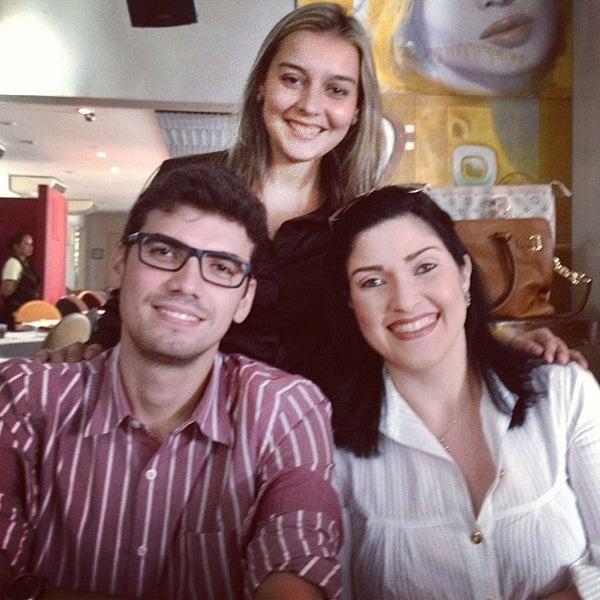 1/19/2013 tarihinde Isabela G.ziyaretçi tarafından Limone Restaurante e Café'de çekilen fotoğraf