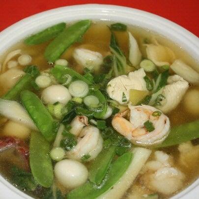 10/31/2012 tarihinde Anson Touziyaretçi tarafından Chifa Du Kang Chinese Peruvian Restaurant'de çekilen fotoğraf