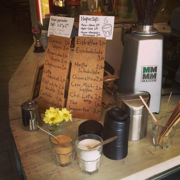 Очень хороший кофе и вкусная выпечка. И мило, очень мило!