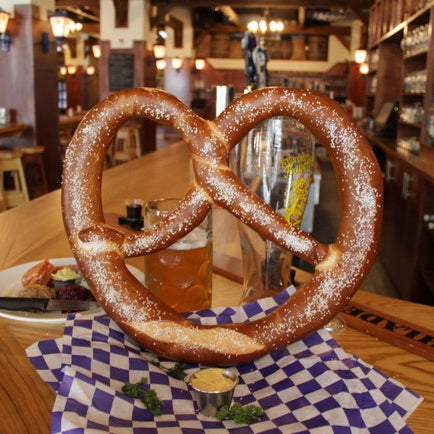 Its menu icludes giant pretzels, cheese filled sausage and, of course beer. Many who venture tackle the boot (a glass boot filled with beer) and we would advise you do the same (at least once).