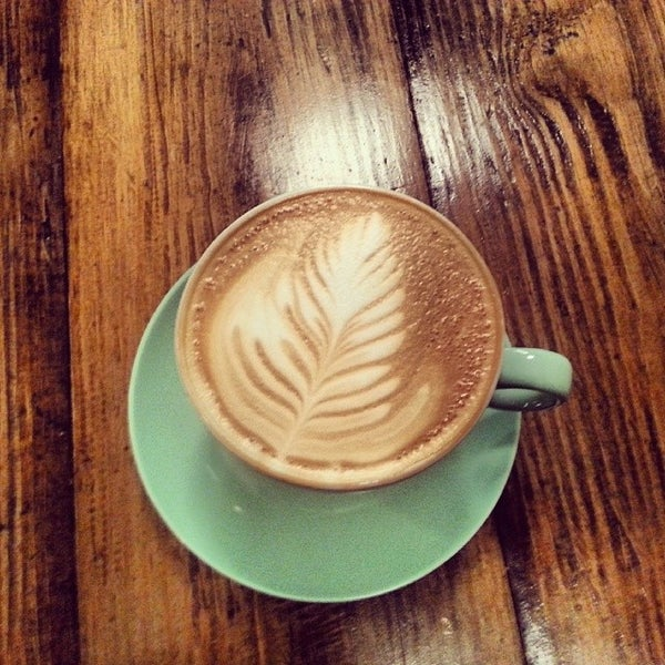 Das Foto wurde bei Double Dutch Espresso von Eunice N. am 3/29/2014 aufgenommen