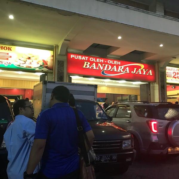 10 Oleh-oleh Khas Surabaya yang Paling Terkenal