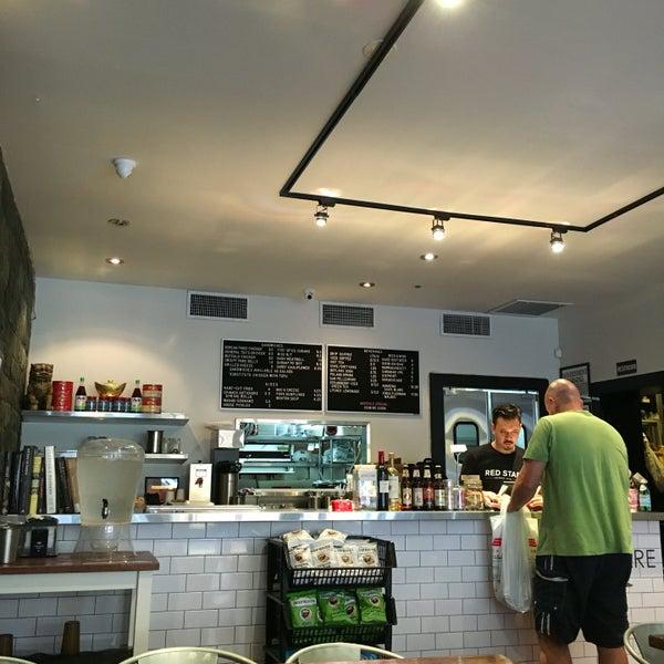 7/31/2016にshero s.がRed Star Sandwich Shopで撮った写真