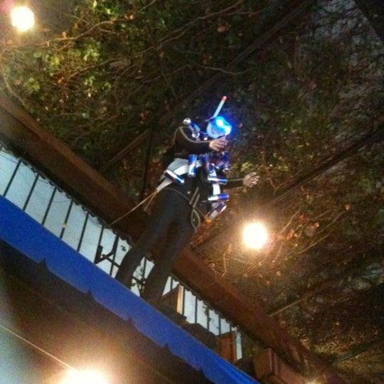 Foto tirada no(a) Deep Blue Bar por Nazlı K. em 10/2/2012