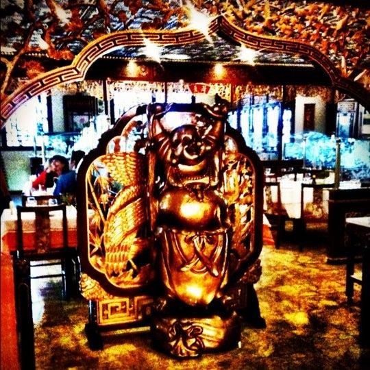 Снимок сделан в Golden Plaza Chinese Restaurant пользователем Paulinho S. 10/9/2012