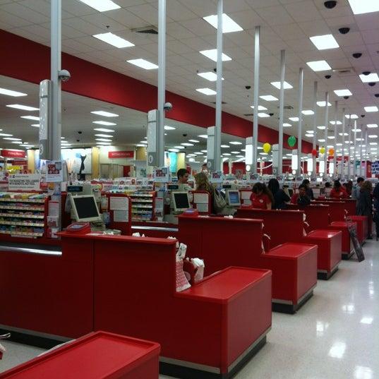 Снимок сделан в Target пользователем Andy O. 4/6/2013