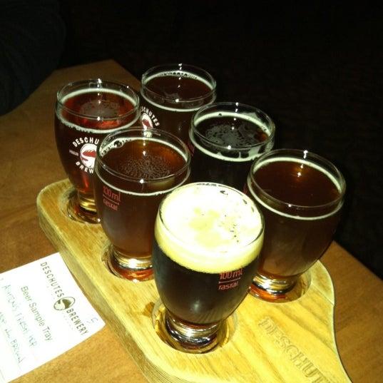 Снимок сделан в Deschutes Brewery Bend Public House пользователем Sam M. 9/30/2012
