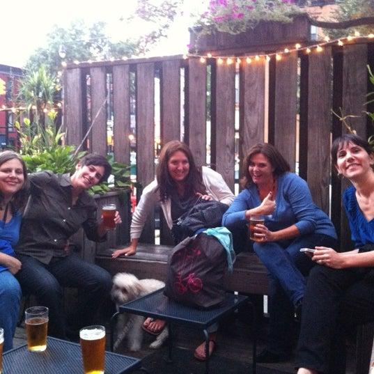 Foto diambil di The Gate oleh Carie G. pada 9/30/2012