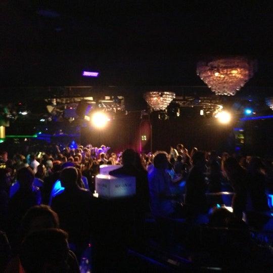Das Foto wurde bei The Sutton Club von Pamela M. am 12/8/2012 aufgenommen
