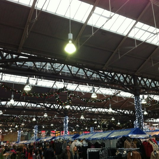 Foto tomada en Old Spitalfields Market por Richard N. el 11/24/2012