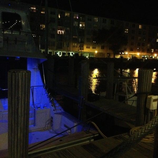 Photo prise au Bimini Boatyard Bar & Grill par Alex R. le2/3/2013