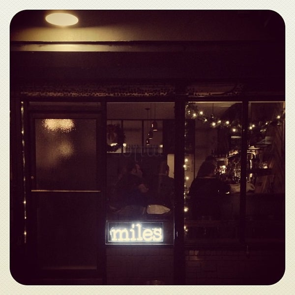 Foto tirada no(a) Miles por fouhy em 12/12/2012