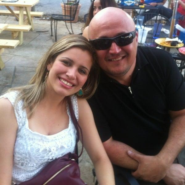 Foto diambil di Lucy's Retired Surfers Bar and Restaurant oleh Renato M. pada 3/18/2013