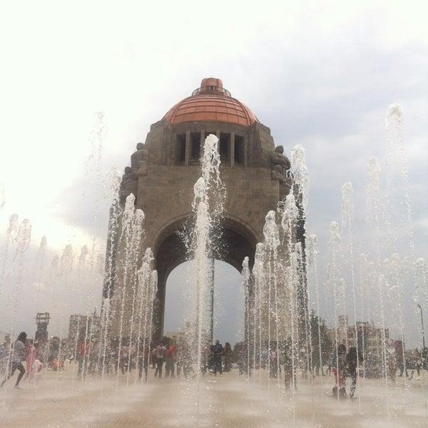 Foto tomada en Monumento a la Revolución Mexicana por Everardo S. el 7/12/2013
