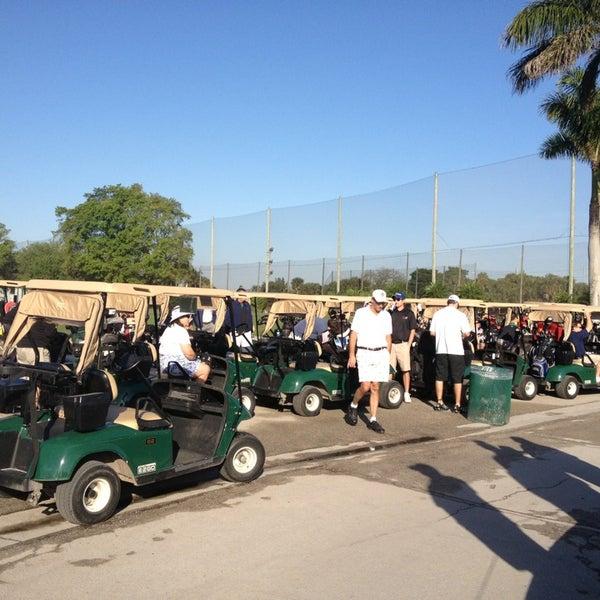 Das Foto wurde bei Palmetto Golf Course von Angelica F. am 3/29/2013 aufgenommen
