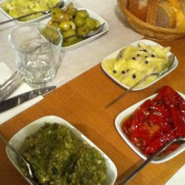 Foto tomada en Sıdıka Meze Restoranı por Yuke el 4/17/2013