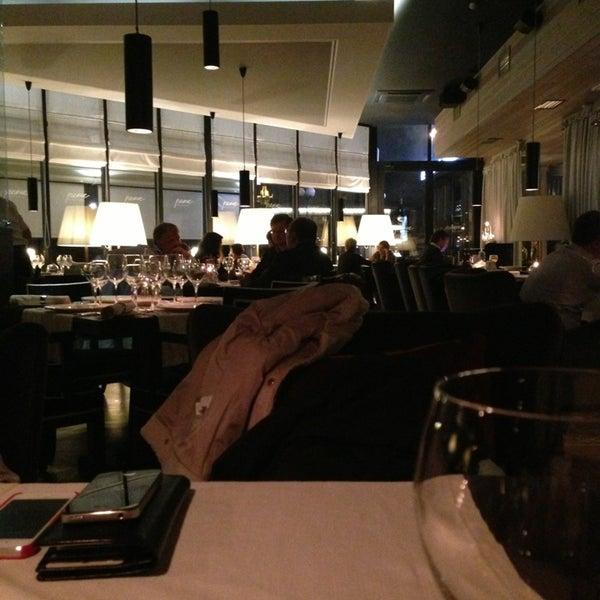 Foto tirada no(a) Ресторан & Lounge «Река» por Arhi em 9/3/2013